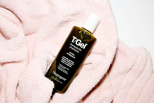 How Do I Stop My Scalp From Itching Because Of Dandruff?