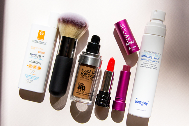 The best sunscreen to wear under makeup, Do you put sunscreen on before or after makeup